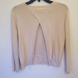 Tops - Light tan sweater with open back 💖